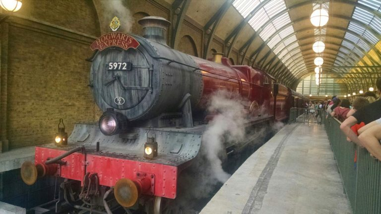 Toronto-Harry Potter-Hogwarts Express-Waterloo Central Station