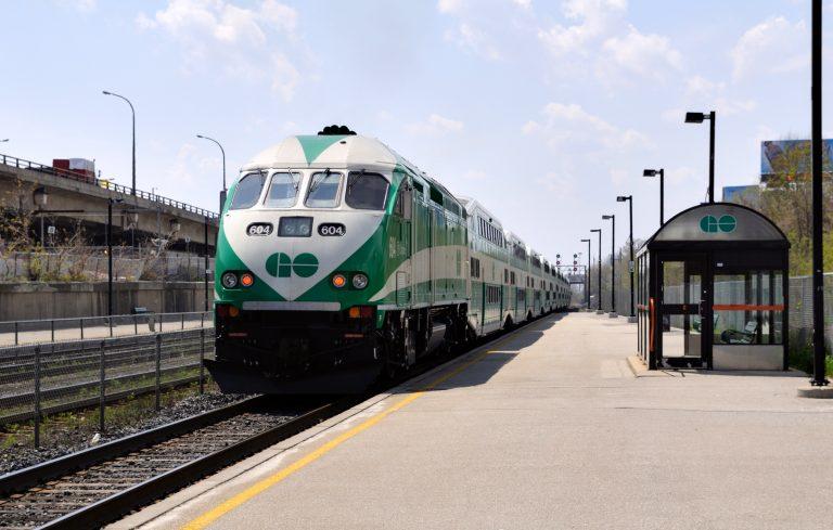 Toronto-GO-Train-UP-Express